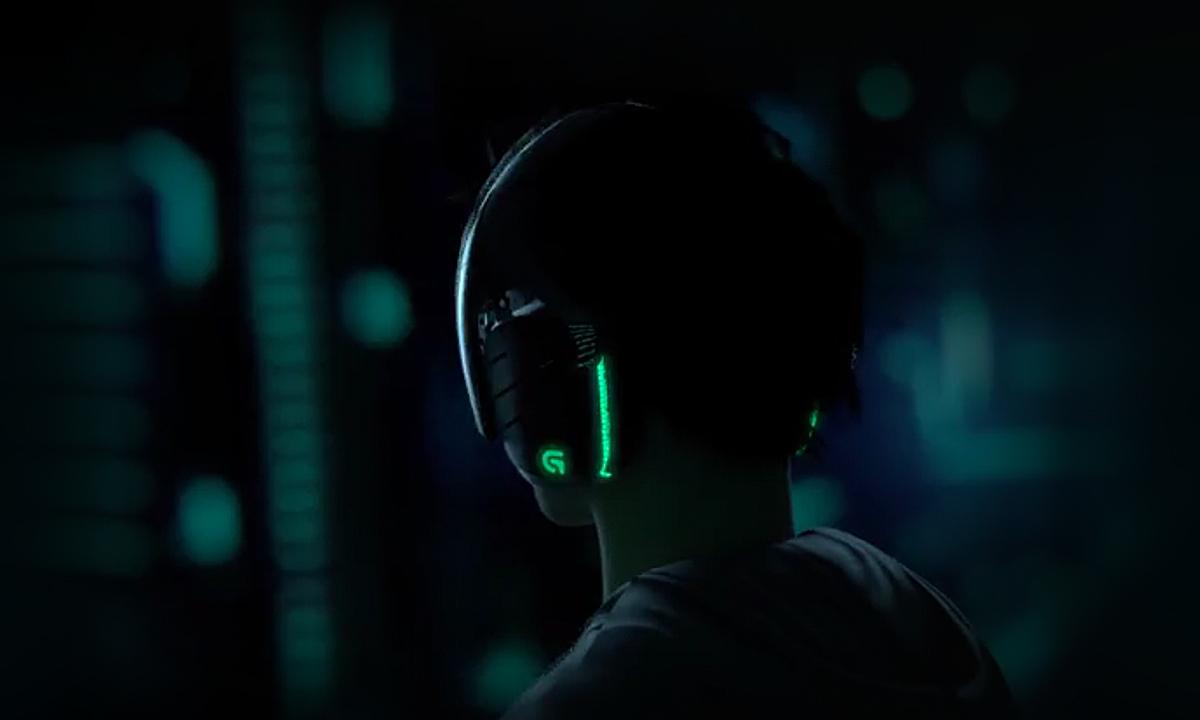 Logitech G633 Artemis Spectrum Surround Sound Gaming Headset